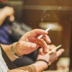 eb26b9a3893e9fe41b1d2a675aa13d71 150x150 - 【衝撃】会計直前にタバコ吸うお客さんに飲食店が悲鳴 / 機会損失「小さな積み重ねが死活問題」
