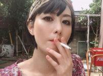 20200531 OHT1I50145 L 202x150 - 【芸能】鳥居みゆき、喫煙ショットを公開「やっぱり美人」「肌が綺麗とか羨まし過ぎます」 [砂漠のマスカレード★]