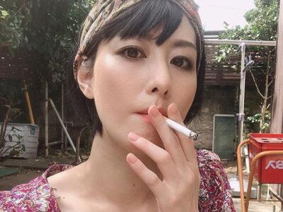 20200531 OHT1I50145 L 400x300 - 【芸能】鳥居みゆき、喫煙ショットを公開「やっぱり美人」「肌が綺麗とか羨まし過ぎます」 [砂漠のマスカレード★]