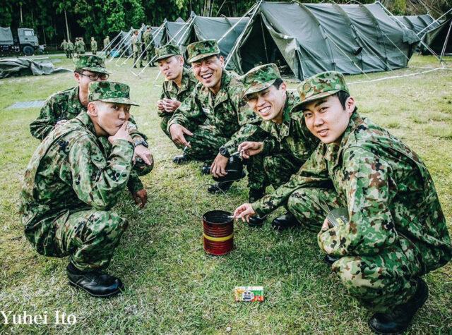EF3vUQ5XUAEek O 640x475 - 【まとめ】弾薬庫近くで喫煙した自衛官を停職処分
