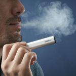 1231123245 5fed465da261d 150x150 - 【喫煙】10年ちょっと前ぐらいまでタバコ吸いながら酒飲んで仕事するの普通の光景だったよな