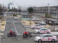 musashi 05 202x150 - 【自動車】教習所の教官「クラッチ操作で徐行して」僕「!?えっと、、」