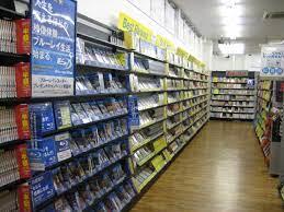 2Q - 【蔦屋】<全店でレンタル終了へ>動画配信サービスなどの浸透で収益の柱だったレンタル事業の売上高は10年前の約2割まで減少。 [Egg★]