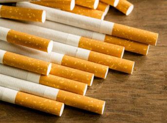 a0004469 main 3 343x254 - 【喫煙】「家の中でしか吸ってないのに、『ベランダで喫煙するな』と苦情。事実無根のポイ捨て容疑で警察まで呼ばれ...」(東京都・60代男性) [ひよこ★]