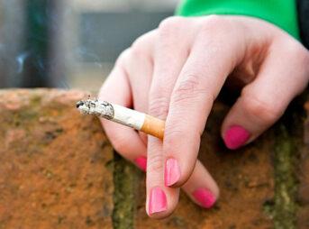 119841082 cigarette getty 343x254 - 【喫煙】高3だけどタバコバレたりして退学になった